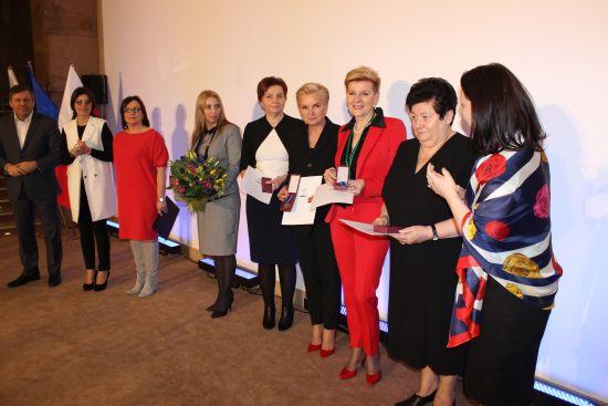 Odznaka Honorowa za Zasługi dla Rozwoju Gospodarki RP dla mieszkanki Grabowa nad Prosną